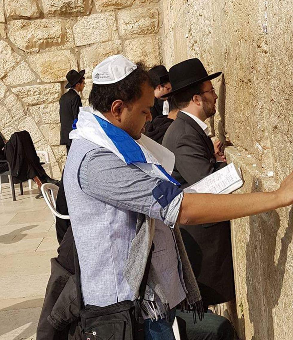 Dr. Shadman Zaman prays at the Western Wall