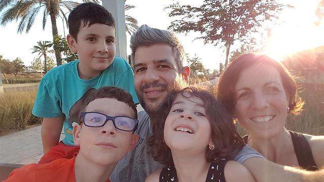 משפחת נחום - כולם שווים (צילום: אלבום פרטי) (צילום: אלבום פרטי)