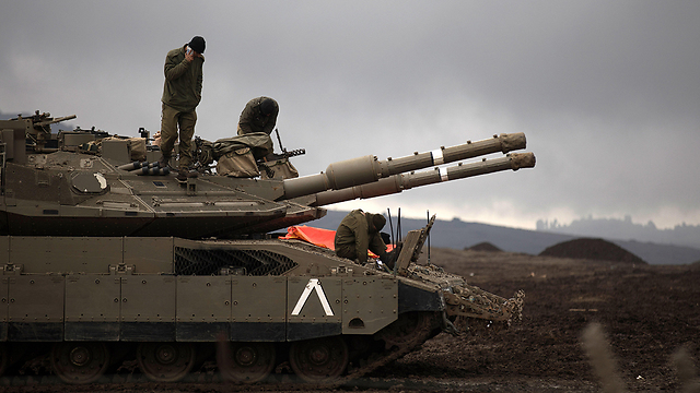 An Israeli tank in the Golan Heights. No one can guarantee that the agreements on Syria will last (Photo: EPA)