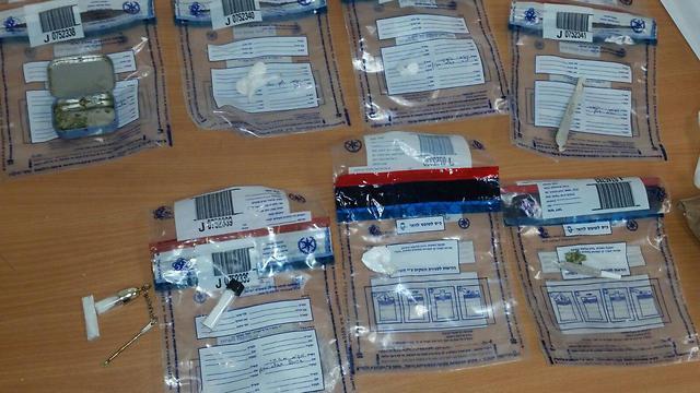שקיות קוקאין שתפסה המשטרה, תמונת ארכיון (צילום: דוברות המשטרה) (צילום: דוברות המשטרה)