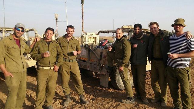 Aharonovich's reservist friends (Photo: Netiv Ha'avot Struggle HQ)