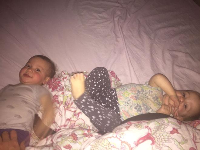 """דר ויעלה של ליאור: """"כשמגדלים תאומות אין אפילו את הפריבילגיה של שינה במשמרות"""" (צילום: אלבום פרטי)"""