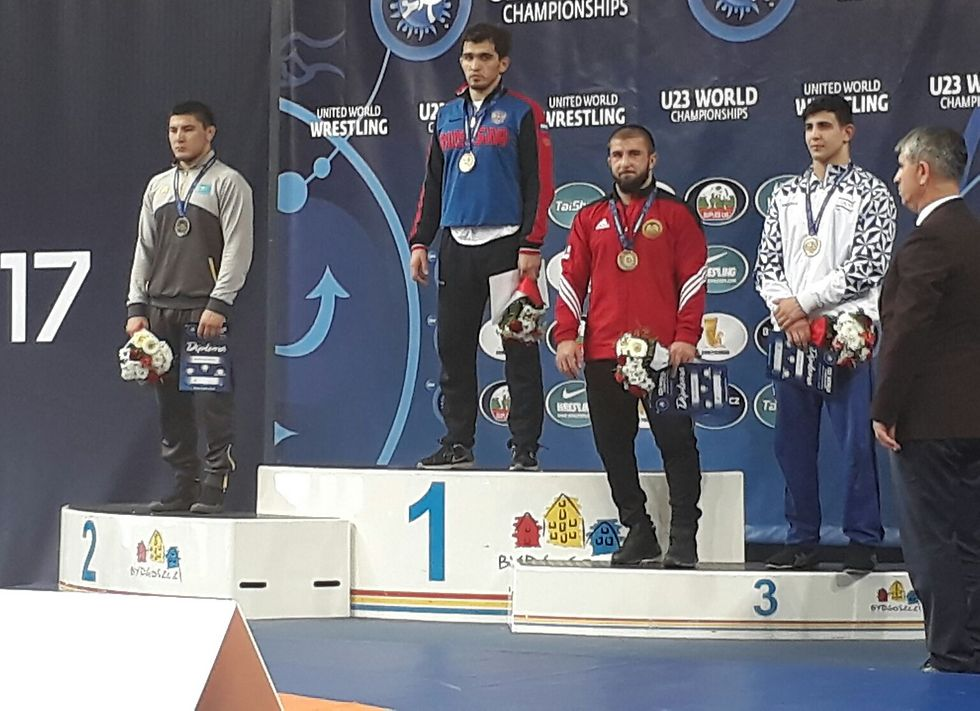 Israeli wrestler Kalashnikov (R) won a bronze medal in the competition (Photo: Leonid Shulman)