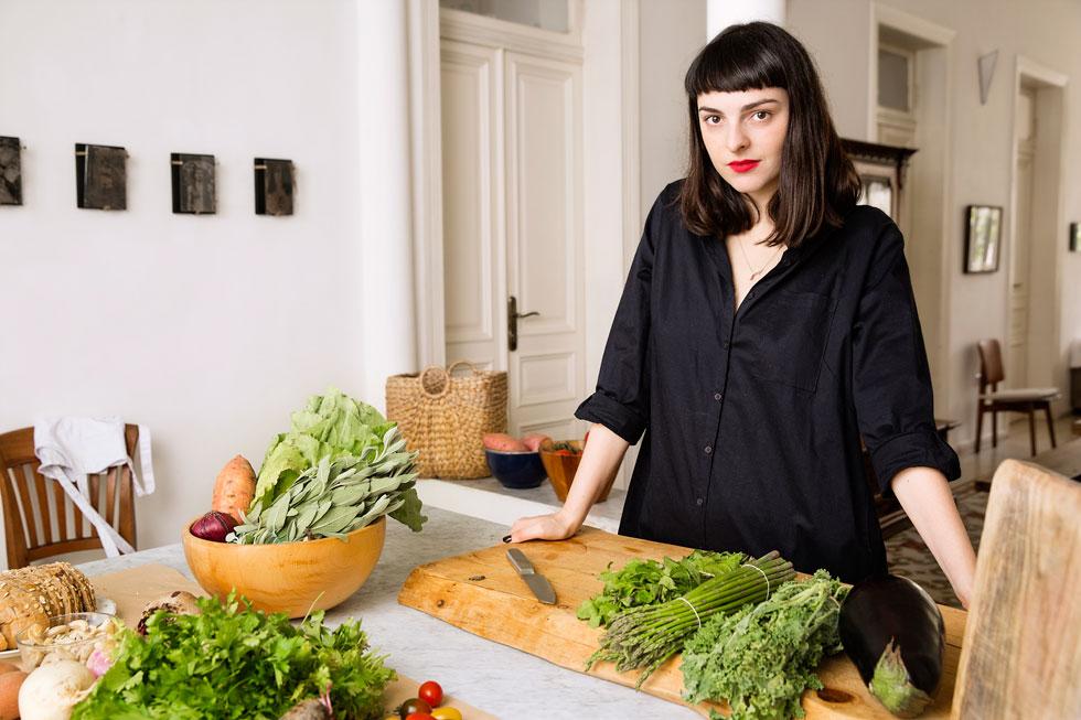 """""""בפעם הראשונה שרציתי לרזות נפגשתי עם דיאטנית מקצועית, והיא הרכיבה עבורי תפריט בלתי אפשרי. היא זרמה עם הרצון שלי להוריד במשקל, אבל הגעתי ממש לתת תזונה"""". דניאל יצחקוב (צילום: ענבל מרמרי)"""