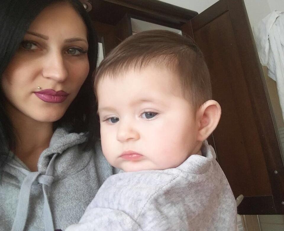 Ирина Бугай с дочкой Лизой. Фото предоставлено семьей