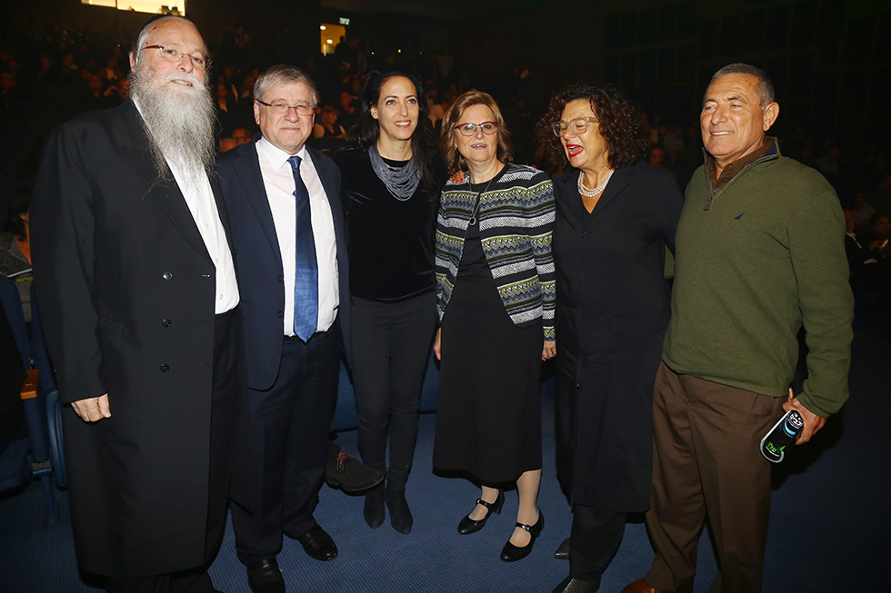 דורון ודידי אלמוג, הניה מרמורשטיין, ליהיא לפיד, ראובן שיף, הרב יהודה מרמורשטיין (צילום: אולפני ליאור)