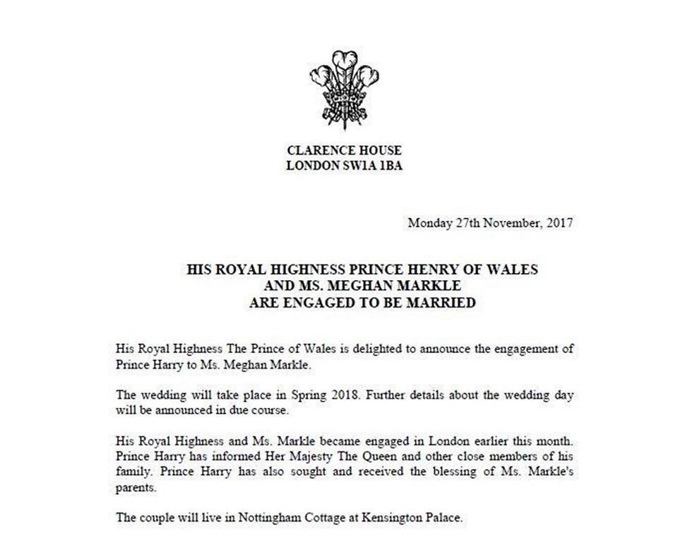בית קלרנס, מעונו של הנסיך צ'רלס, מודיע על האירוסים של הארי ומייגן (צילום: AP) (צילום: AP)