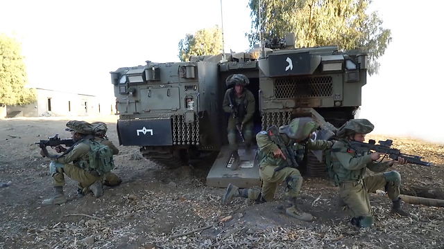 Namer APC training (Photo: IDF Spokesman)