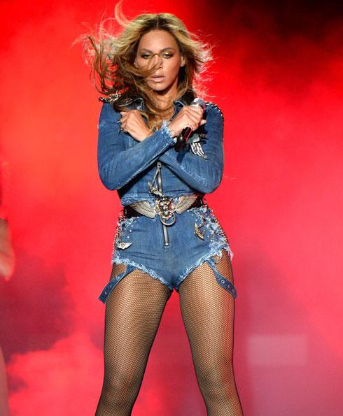 """אפקט ה""""וואו"""" בג'ינס. ביונסה"""