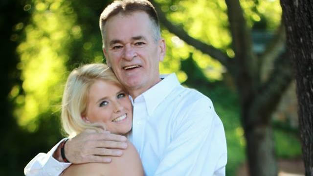 ביילי סלרס ואביה שמת מסרטן (צילום: מתוך פייסבוק) (צילום: מתוך פייסבוק)