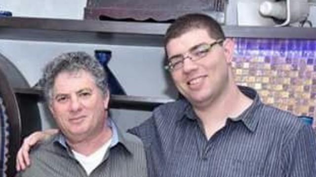 """""""לא היססנו לרגע אם לתרום את האיברים של אבא"""". טודובר ז""""ל (משמאל) ובנו"""