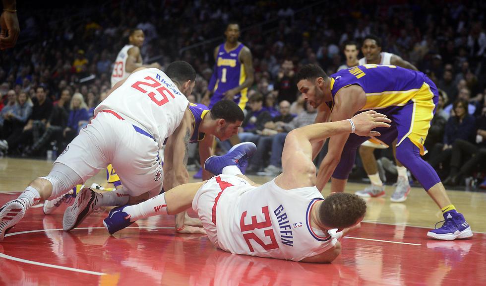 בלייק גריפין נפצע (צילום: רויטרס) (צילום: רויטרס)