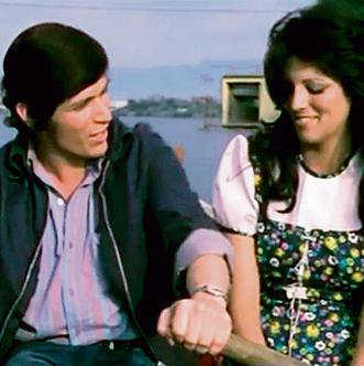 """בסרט """"נורית"""", 1972. קשת: """"הסצנה הראשונה שלנו הייתה סצנת מיטה, אחרי הקאט נשארנו במיטה"""""""
