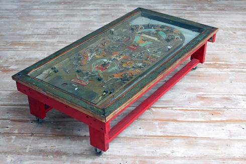שולחן פליפר  (צילום: פביאן שפינר)