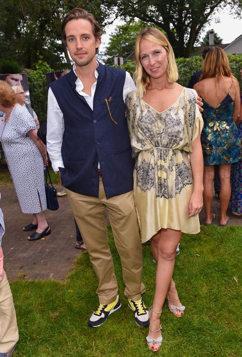 נונו עם בעלה לשעבר אלכסנדר גילקס, שלמד בפנימיית איטון היוקרתית עם הנסיך הארי (צילום: AP)