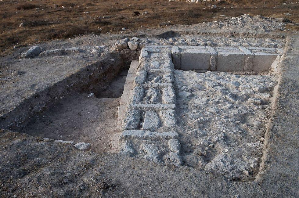 שרידי המבנה (צילום: דאיין קרישטנסן) (צילום: דאיין קרישטנסן)
