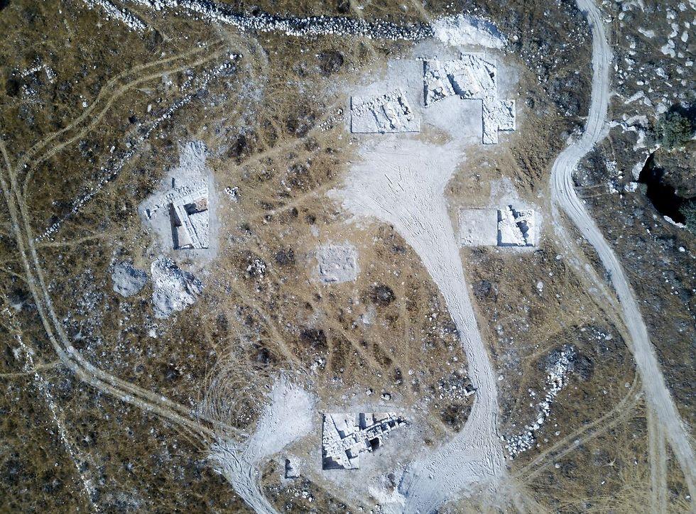 שטח המבנה הגדול שנחשף, יתכן שמדובר במקדש או ארמון (צילום אווירי: דאיין קרישטנסן) (צילום אווירי: דאיין קרישטנסן)