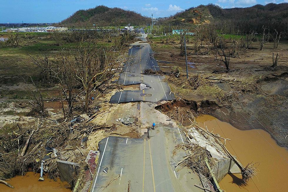 """הרס שהותירה הסופה """"מריה"""" בפוארטו ריקו (צילום: AFP)"""
