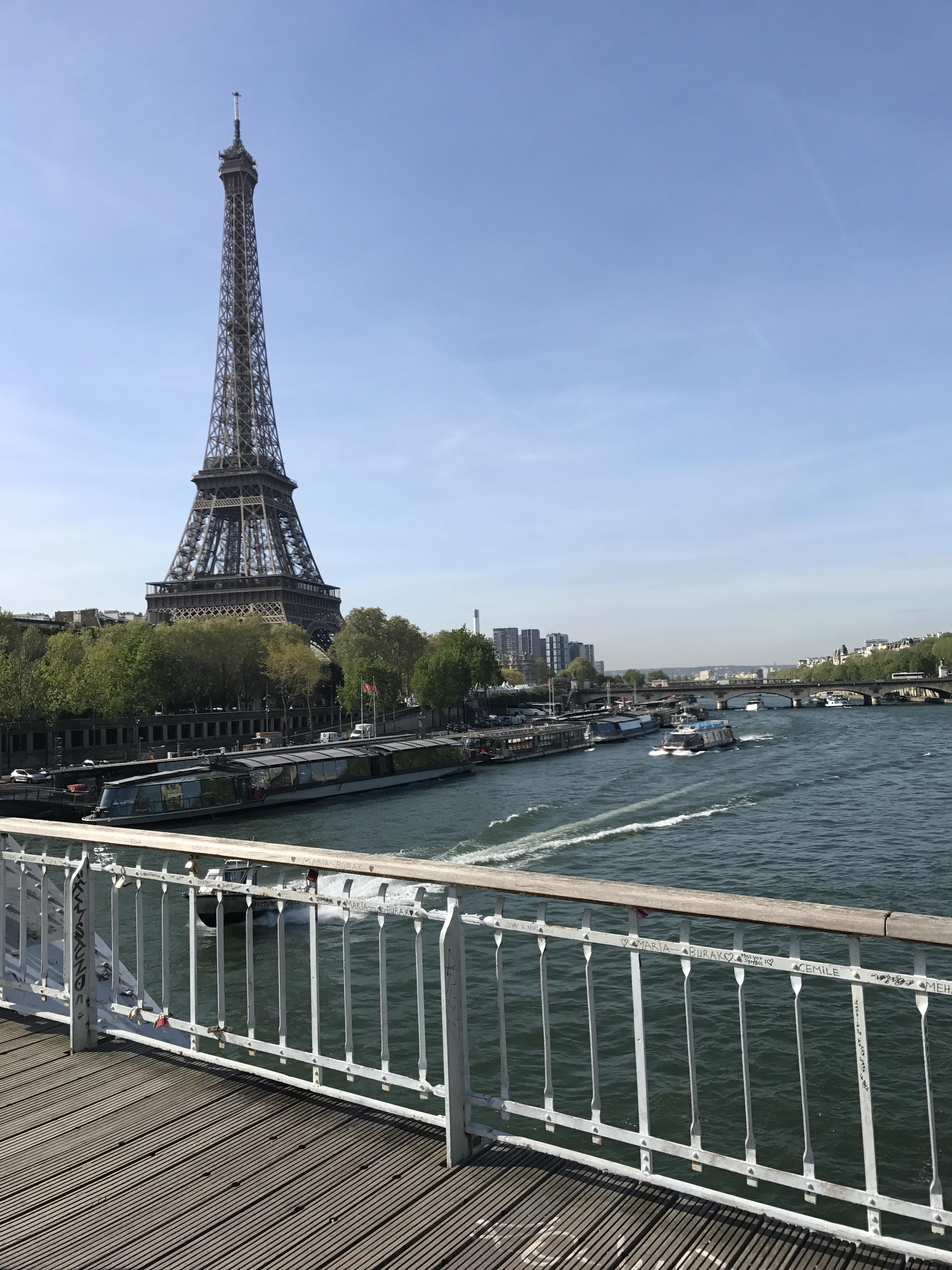 פריז - סגורה בחלקה (צילום: דניאל דויד שליבו) (צילום: דניאל דויד שליבו)