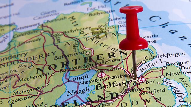 סוגיית הגבול בין צפון אירלנד לרפובליקה של אירלנד מסתמנת כמוקש הגדול ביותר של פרישת בריטניה מהאיחוד האירופי (צילום: shutterstock) (צילום: shutterstock)
