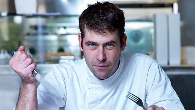 יהונתן בורוביץ': השף שאחראי לכך שבכל מסעדה שנייה בארץ מגישים עראייס (צילום: ירון ברנר) (צילום: ירון ברנר)