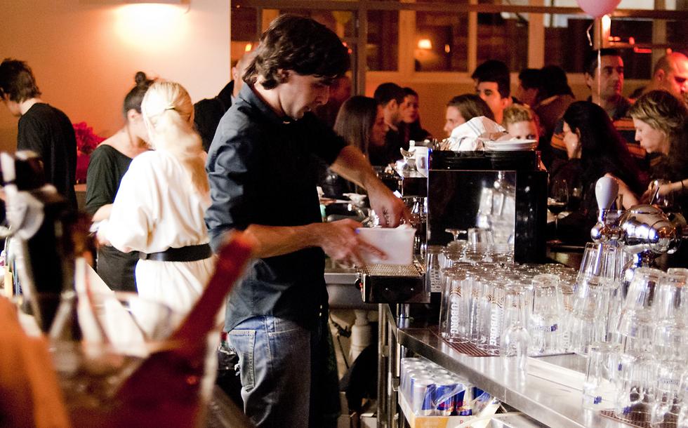 """מסעדת """"קפה 48"""" שנסגרה (צילום: אנטולי מיכאלו)"""