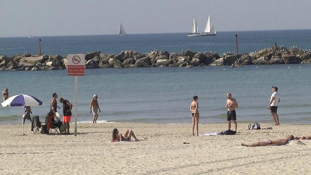 חוף הים יכול לסייע בשעות הנוחות (ארכיון) (צילום: ניצן דרור) (צילום: ניצן דרור)