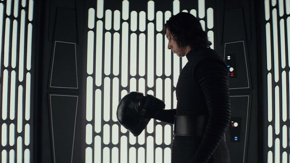 """מתוך """"מלחמת הכוכבים: אחרוני הג'דיי"""" ()"""