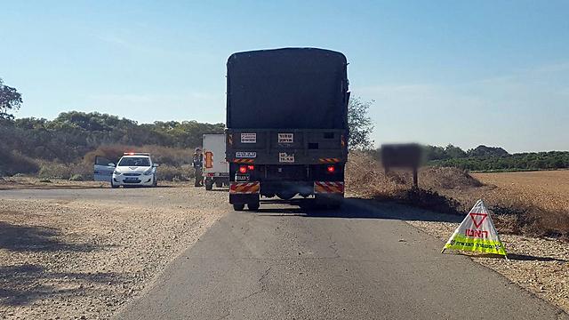 המחסומים שהוצבו בעוטף בעקבות גילוי המנהרה (צילום: בראל אפרים) (צילום: בראל אפרים)