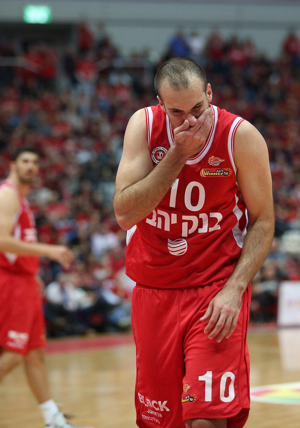 יותם הלפרין מאוכזב (צילום: עוז מועלם)