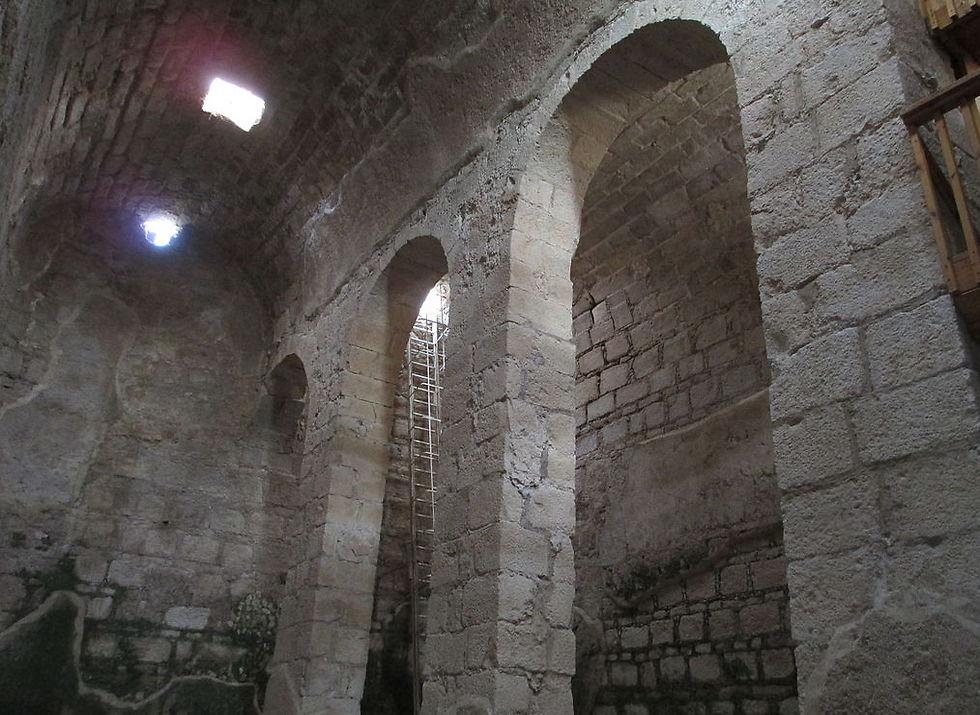 בור המים במנזר אותימיוס (צילום: ד''ר אבישי טייכר, פיקיוויקי) (צילום: ד''ר אבישי טייכר, פיקיוויקי)