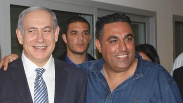 Shefi Sasson (R) with PM Netanyahu