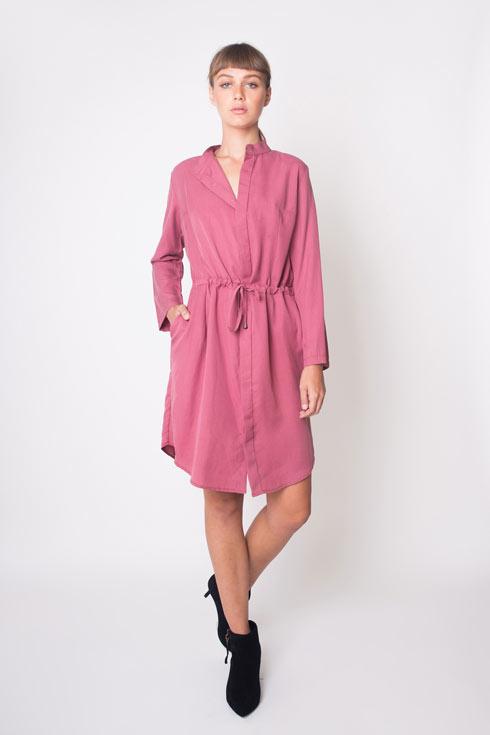 שוק האקססוריז. בתמונה: שמלה של יעל אדמוני ב-300 שקל במקום 450 שקל (צילום: רותם לבל)