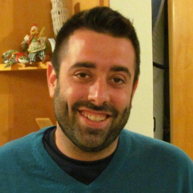 """""""בחרתי להכין ארוחה ישראלית פשוטה, כי הרגשתי שזה ירגש אותן יותר מאשר לזניה שהן בטוח טעמו מתישהו"""". אמיר מרקו (צילום: מתוך עמוד הפייסבוק)"""