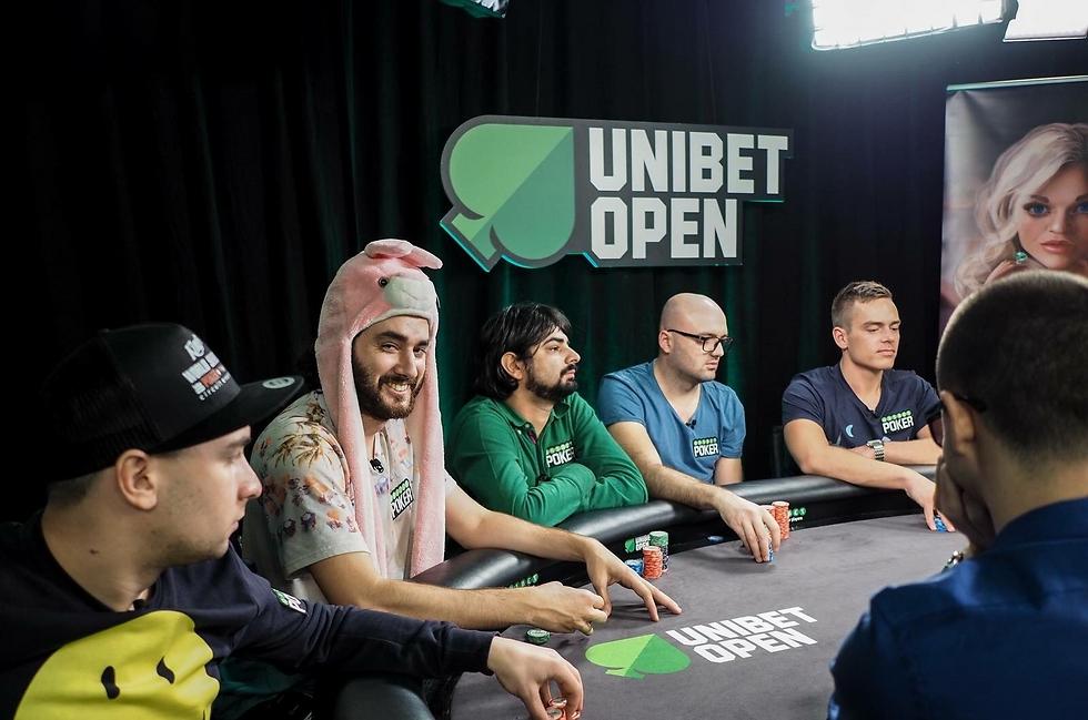 """""""התחפושת גורמת לשחקנים להמעיט ביכולותיי ולחשוב שאני טומטום"""" (צילום: Unibet) (צילום: Unibet)"""