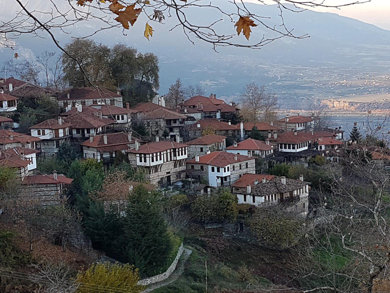 """הכפר פליאוס פנטליימון על שיפולי האולימפוס (צילום: אחיה ראב""""ד)"""