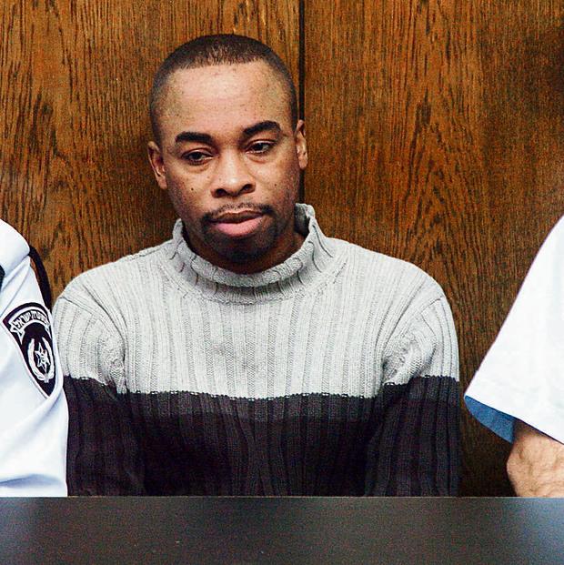 """כריס סרפו בבית המשפט. """"הפיץ במזיד את מחלת האיידס"""", כתבו השופטים בגזר הדין"""