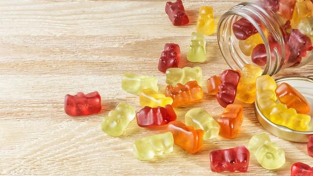 רמות גבוהות של סוכר וחומרי שימור. ויטמינים מסוכריות גומי (צילום: shutterstock) (צילום: shutterstock)