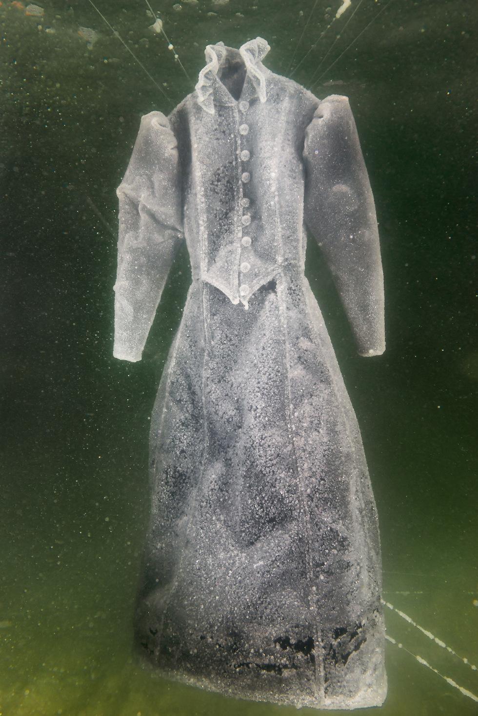"""""""כלת מלח"""", 2014, מתוך סדרה של שמונה תצלומים ()"""