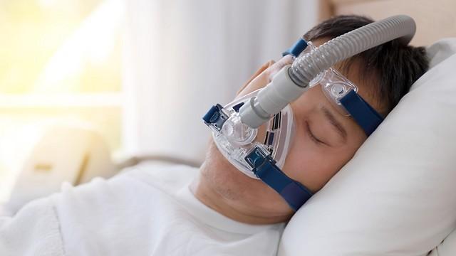 רק כשליש מתרגלים לישון איתו - התקן CPAP (צילום: shutterstock) (צילום: shutterstock)