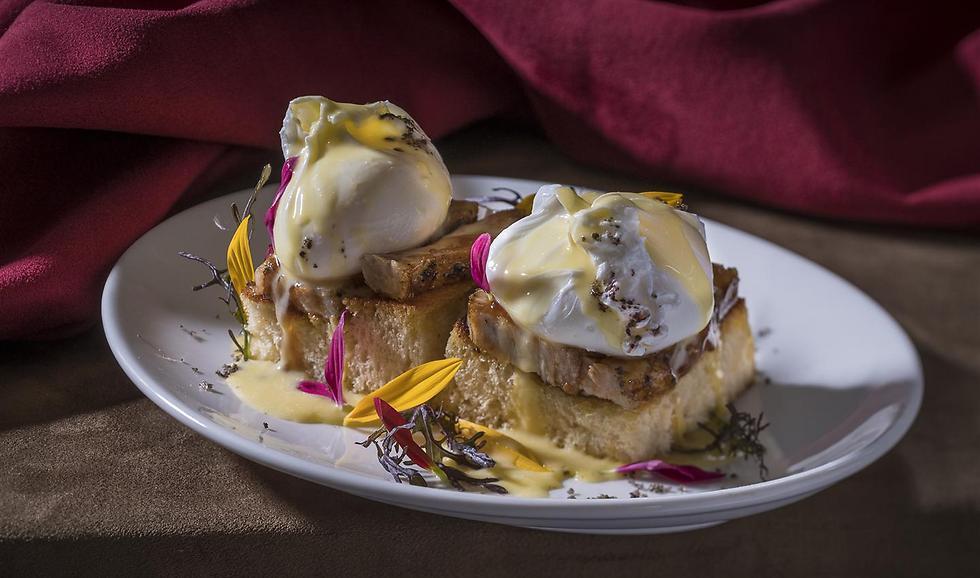 """ביצים עלומות על בריוש, """"בל בוי"""". מנה שכיף להתחיל איתה את הבוקר (צילום: אנטולי מיכאלו) (צילום: אנטולי מיכאלו)"""