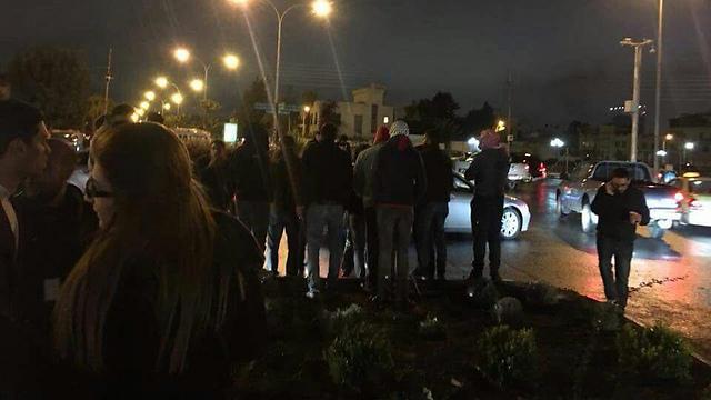 """הפגנה בעמאן מול שגרירות ארה""""ב"""