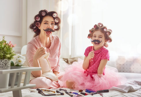 לא תצליחו להימנע מזה: הילדים מחקים אותנו (צילום: Shutterstock)