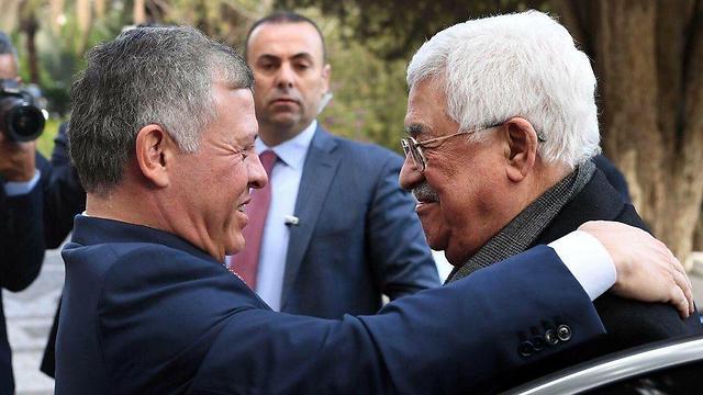 המלך עבדאללה ואבו מאזן נפגשים לאחר ההכרזה