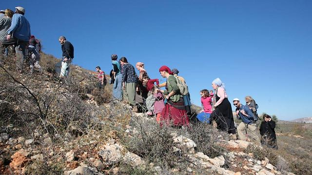 Hikers near Qusra