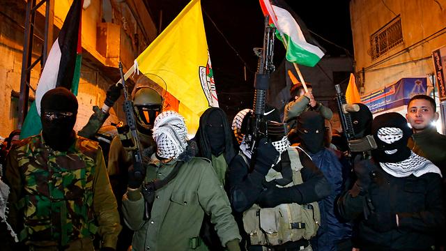 מפגינים בחברון (צילום: AFP) (צילום: AFP)