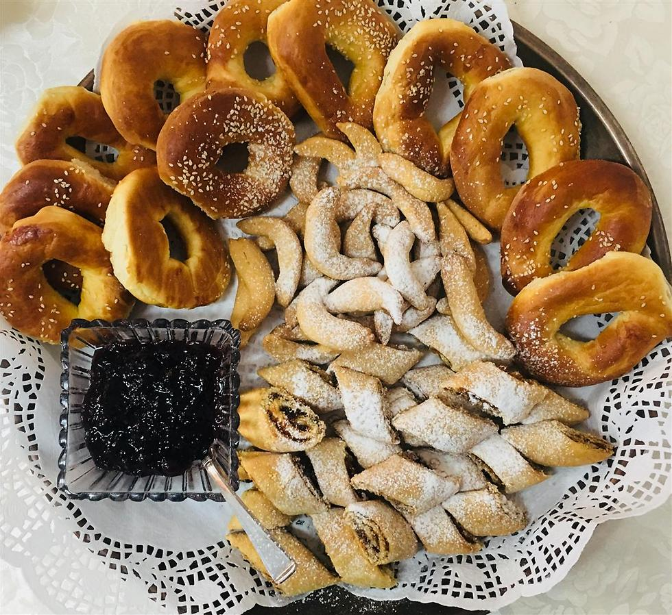 """עוגיות מהמטבח הכורדי של """"שולה משתולה"""" (צילום: לין לוי) (צילום: לין לוי)"""