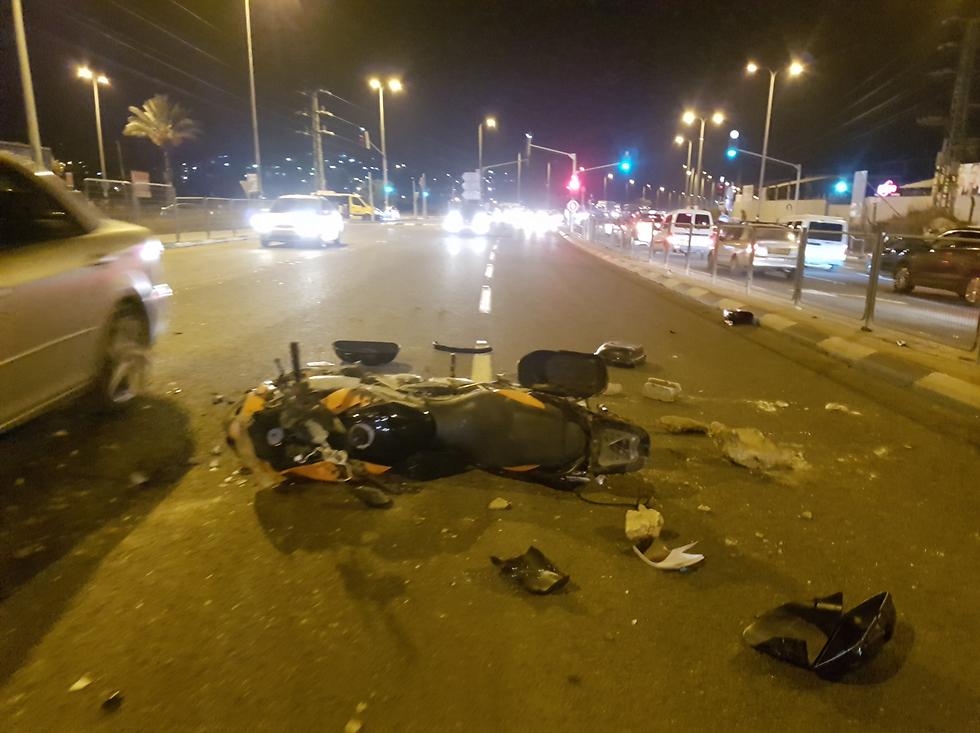 Motorcycle of Yedioth photographer smashed in rioting in Wadi Ara