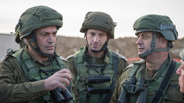 Maj. Gen. Eyal Zamir, Col. Kobi Heller and Brig. Gen. Yehuda Fuchs after the finding of a tunnel near Kibbutz Nirim (Photo: IDF Spokesman's Office)