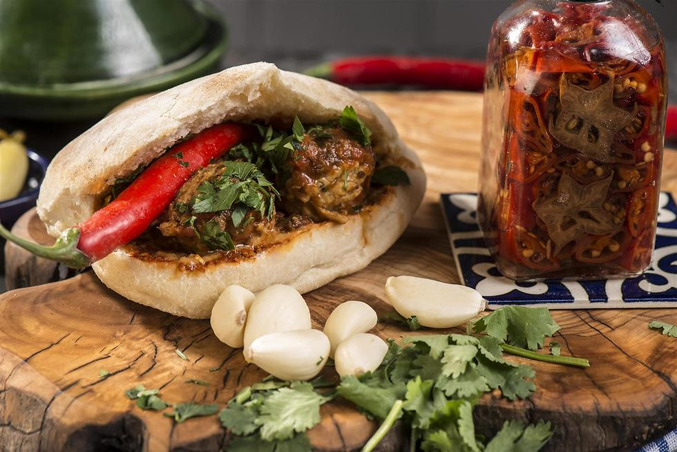 """אוכל מרוקאי אסלי. """"צ'יצ'ו"""" (צילום: איליה מליניקוב) (צילום: איליה מליניקוב)"""